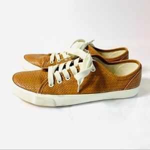 Universal Threads Sneakers Faux Leather Size 10